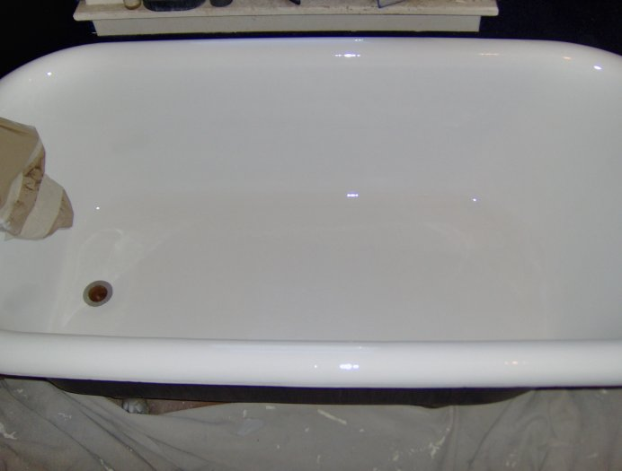 Clawfoot tub restoration antique tubs for sale in iowa for Porcelain bathtubs for sale